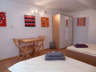 Das 2. Schlafzimmer Mit 2 Betten (Aufbettung Außerdem Möglich) Im  Erdgeschoss