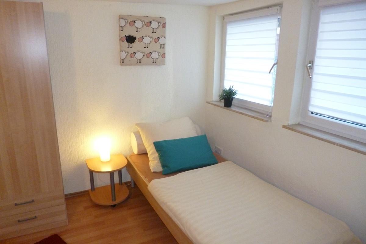 Das 1. Schlafzimmer Mit 3 Betten Im Erdgeschoss